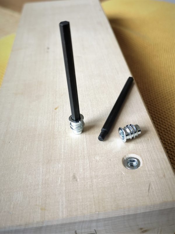 Mounting tool for threaded Inserts